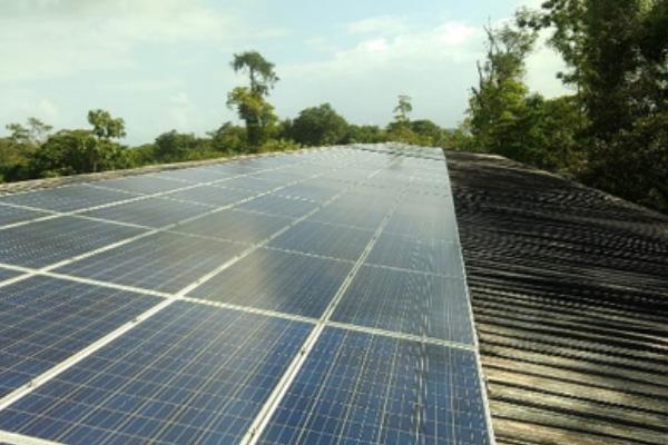 Asistencia técnica en un proyecto de hibridación fotovoltaica-diésel